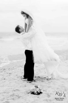 #Beach #Wedding I want to take a picture like this on the beach!!