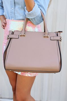 Uptown Girl Purse: Taupe #shophopes