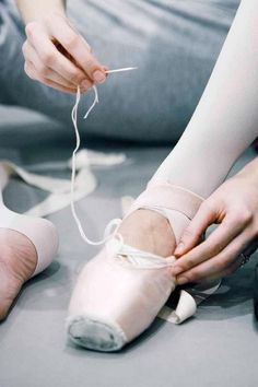 sewing, ballet dancers, fashion shoes, pointe shoes, point shoe, girl fashion, ribbon, girls shoes, ballet shoes