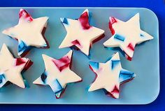 "Learn how to make these Fourth of July ""Stained Glass"" Jello stars!"