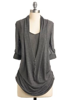 What's in Storm Top - Grey, Size S