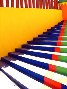 escalera de colores.. Guadalajara Mèxico by saul landell on Flickr