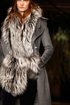 http://fashion-allure.com/style/wp-content/uploads/Altuzarra-fur-mittens.jpg
