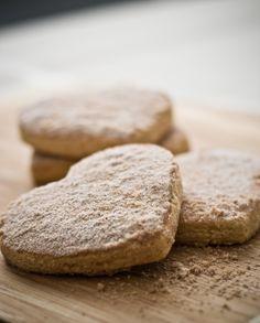 spanish almond cookies