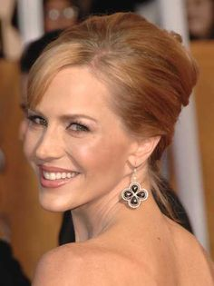 Julie Benz updo hairstyle at the 15th Annual Screen Actors Guild Awards