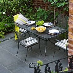 Which hardscape surface is best for your patio and budget? | Photo: Clive Nichols/GAP Photos