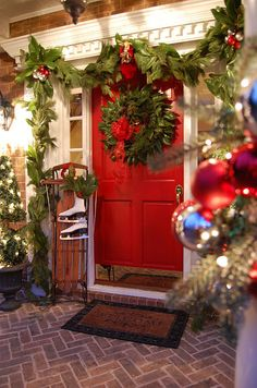 holiday, red doors, christma decor, front doors, porch decorating, christmas decorating ideas, front porches, christmas porch, christmas door