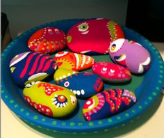 Paint and Decorate Rock Ideas -a #Natural Craft For Kids & for Your Garden. #nature #crafts