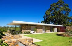 Wright Feldhusen Architects designed the Yallingup Residence in Western Australia.