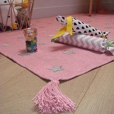 Alfombras habitación niña http://www.mamidecora.com/alfombras_art%20for%20kids.html