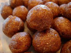 Averie Cooks » No-Bake Vegan Rum Cake Balls