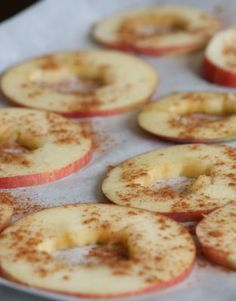 Baked Apple Chips! Healthy snack to take to work or pack in your childrens lunch bag! | delighted momma