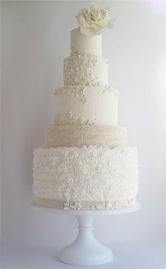 Daily Wedding Cake Inspiration. To see more: http://www.modwedding.com/2014/08/19/daily-wedding-cake-inspiration-8/ #wedding #weddings #wedding_cake Featured Wedding Cake: Maggie Austin Cake