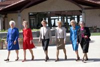 First Ladies Barbara Bush, Nancy Reagan, Rosalynn Carter, Betty Ford, Pat Nixon, and Lady Bird Johnson at the Dedication of the Ronald Reagan Presidential Library , 11/04/1991
