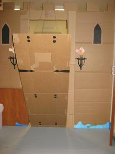 How to make a cardboard castle to play in!