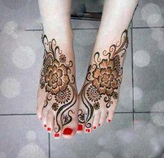 Henna Mehndi henna art, henna designs, pattern, mehndi designs, hands, fashion styles, henna tattoos, red flowers, young girl