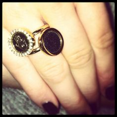 Double up your #mimoneda rings pinned with Pinvolve