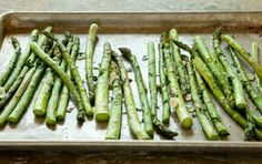 Roasted Asparagus with Garlic and Parsley // No springtime celebration is complete without fresh asparagus! #spring #recipe
