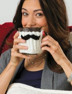 Keep your chocolatey drink warm and cozy this fall with a DIY crocheted Mustache Mug Hug tutorial.