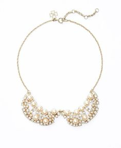 Pearlized Collar Necklace #ATHauteHoliday