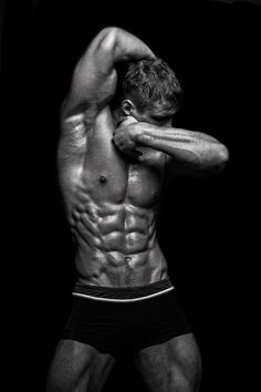 Shredded abs!!