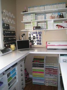 How To Decorate A 10x10 Space {Lauren Brekelmans} | Craft Storage Ideas