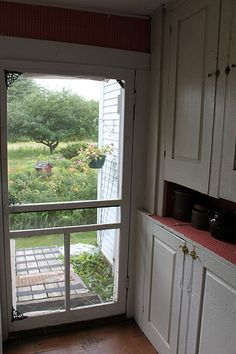 Ahhh...a screen door right off the kitchen.