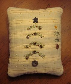 Primitive Small Folk Art Fabric Art Christmas Tree Pillow Quilted Hand-stitched | eBay