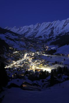La Clusaz by night