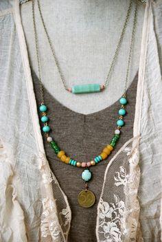 Paige.+bohemian+beaded+charm+necklace.+por+tiedupmemories+en+Etsy