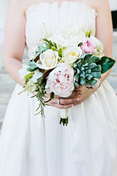 Pretty spring bouquet: http://www.stylemepretty.com/mississippi-weddings/2014/10/24/elegant-mississippi-manor-wedding-at-the-dunleith-historic-inn/ | Photography: Kelly Ginn -http://www.kellyginnphotography.com/