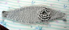 Crochet ear warmer (free pattern)  These are neat, I want to make one.