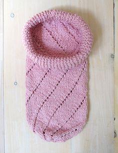 Free Baby Bunting Knitting Patterns : BABY BUNTING COCOON PATTERNS Free Baby Patterns