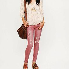 Love those jeans!!!!(but they don't have them in my size to big )