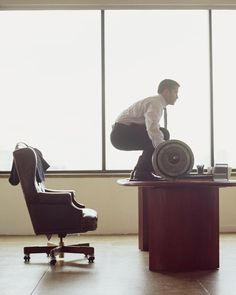 10 Easy Ways to Sneak a Workout in at the Office