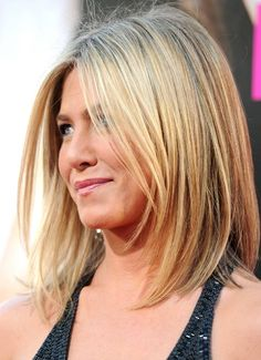 Mimic Jennifer Aniston Hairstyle