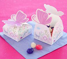 Cajitas imprimibles con cierre de mariposa.