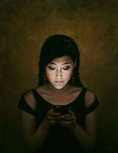 Fascinating Paintings of People Entranced by Their Phones by Dan Witz