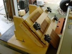 Corner Spine jig for cutting for spines for strong glue joints on thinner wood. ON the 5/8 wood you need the extra glue surface of a spine t...