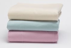 Win Free Organic Cotton Flannel Sheets on HGTV's Design Happens Blog (http://blog.hgtv.com/design/2014/10/17/freebie-friday-warm-up-with-free-flannel-sheets/?soc=Pinterest)