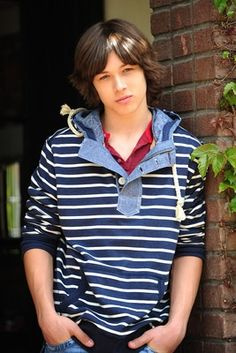 Leo Howard.... Hello you, you very attractive person...