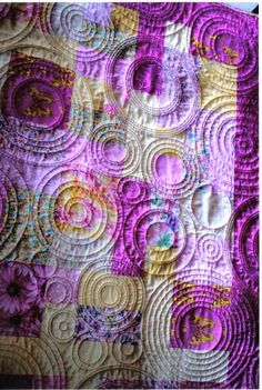 Quilted circles - WOW!!! Amazing texture. I HAVE to get Donna to show me how to mark and hand quilt.