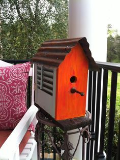 birdhouse from old shutter