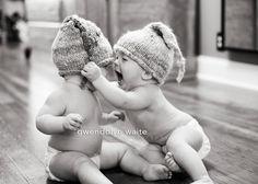 minneapolis babies in handknit hats: )