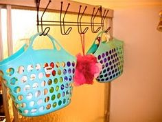 DIY perfect shower caddy!! 3 bucks?!?!? I'm so making this. It even adds to bathroom decor!