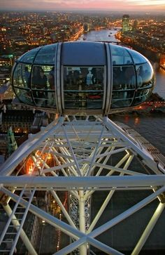 River Thames skyline view at London Eye sumit!