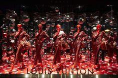The Louis Vuitton Yayoi Kusama windows at Printemps Paris.© Louis Vuitton