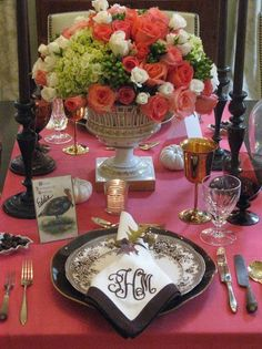 nontraditional colors for a Thanksgiving tablescape - like the brown transfer dinner plates on black plates