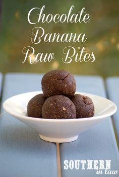 Chocolate Banana Raw Bites - a raw treat that is the perfect on-the-go snack and super healthy whilst tasting totally decadent. Gluten free, sugar free, raw, vegan, paleo, grain free and clean eating friendly.