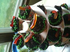 Dirt cup cupcakes. For Bug themed birthday party